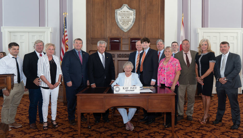 Bill Signing Kountry Inn